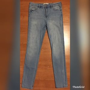 Hollister Original High Rise Super Skinny SZ 9R